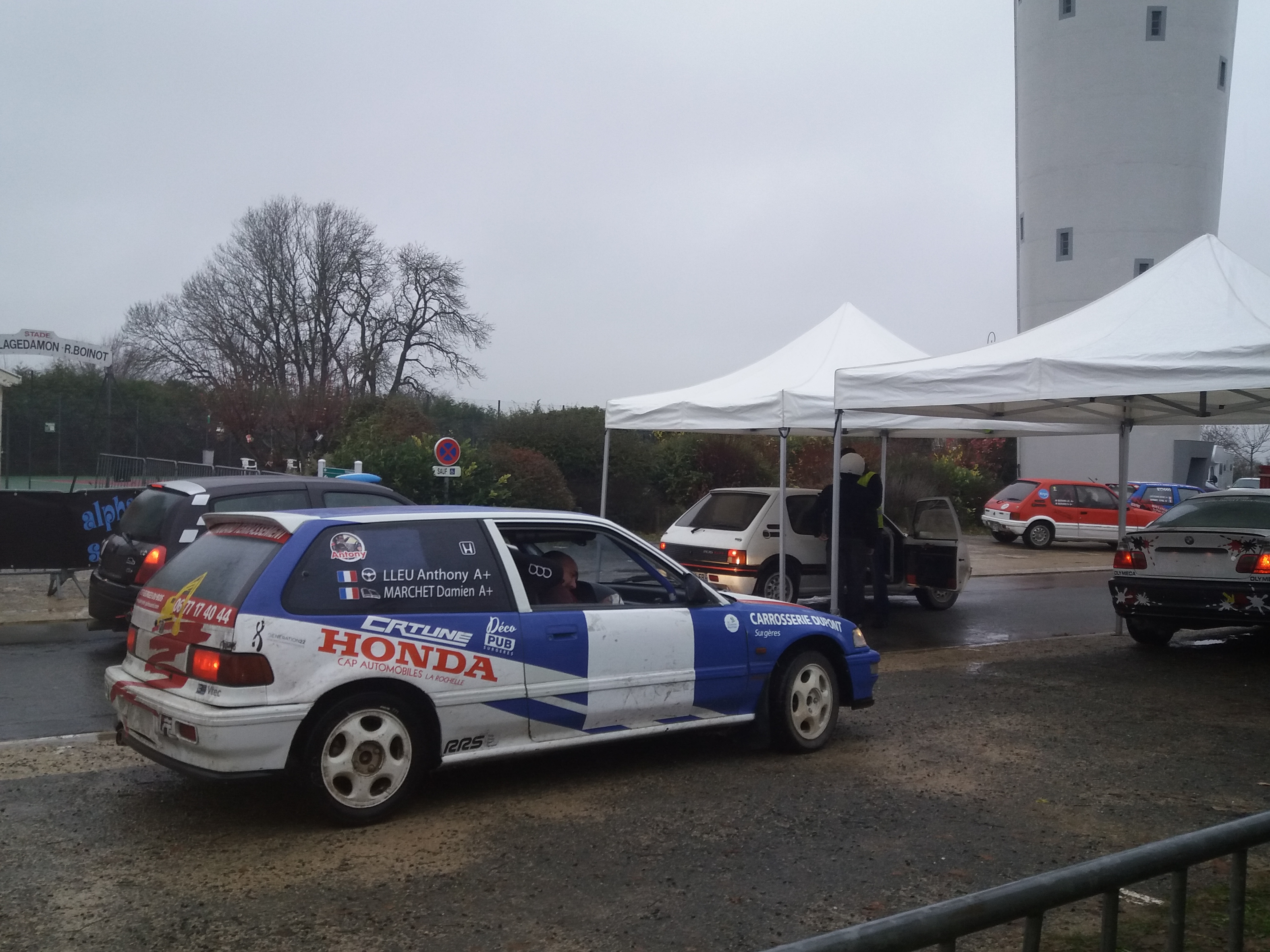 rally18 stand voiture