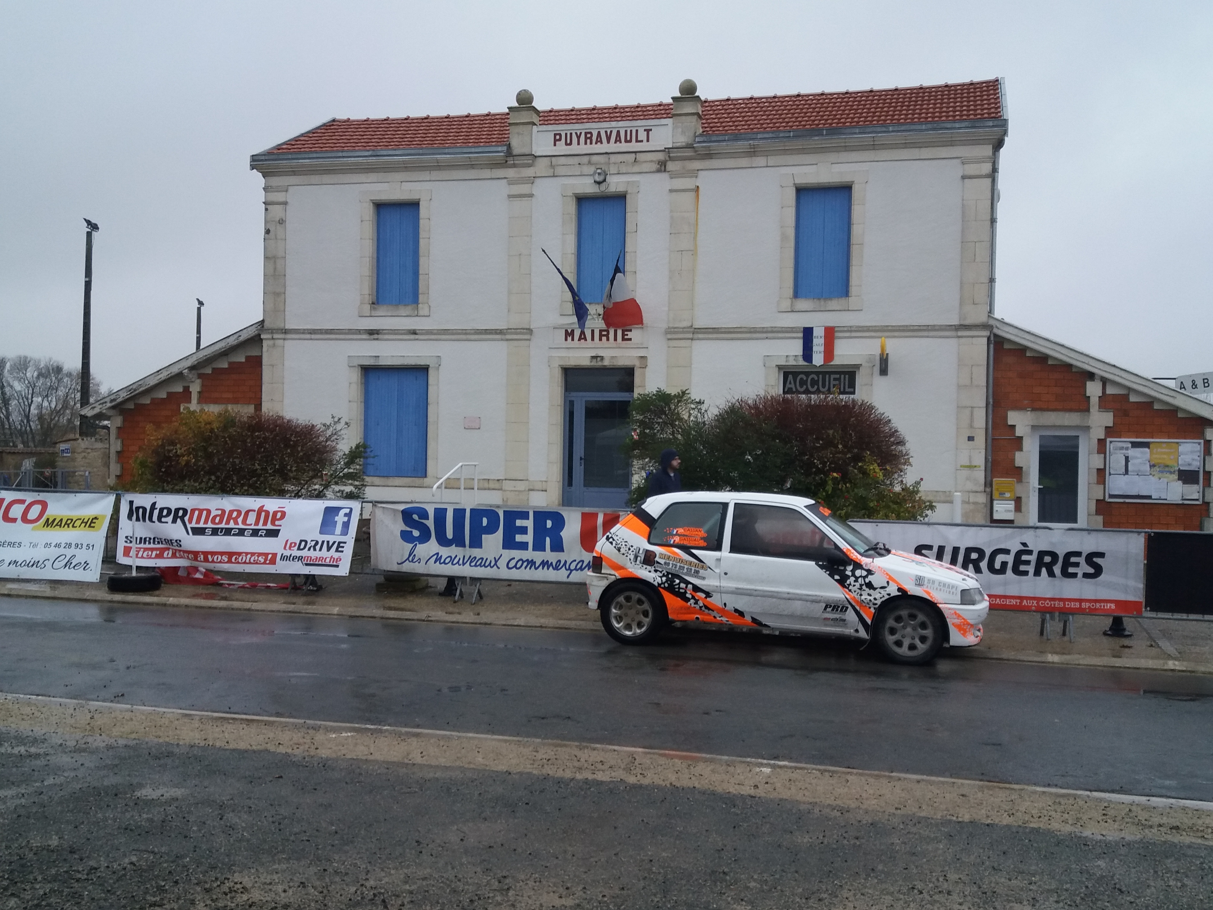 rally18 voiture mairie
